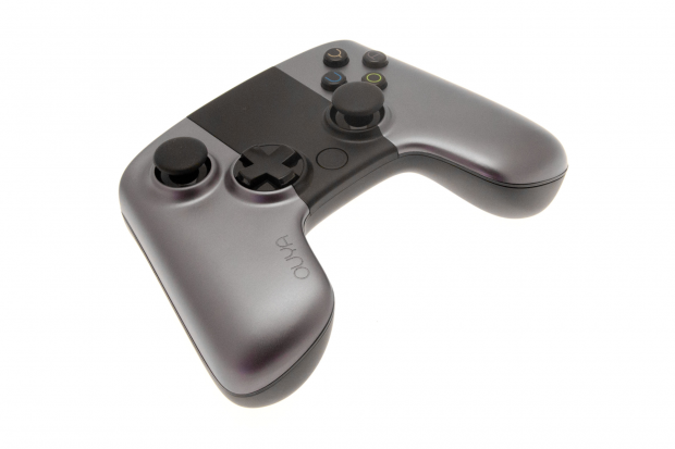 Der Controller der Ouya orientiert sich vom Design her grob am Xbox-Gamepad. (Bild: Golem.de)