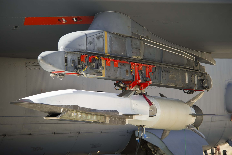 Hyperschallgeschwindigkeit: Experimentelles Flugzeug X-51A Waverider stellt Rekord auf -