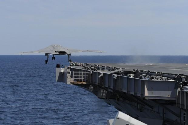 Start geglückt: Es war der erste Mal, dass eine Drohne mit Hilfe eines Katapults von einem Flugzeugträger aus gestartet ist. (Foto: Alan Radecki/US Navy/Northrop Grumman)