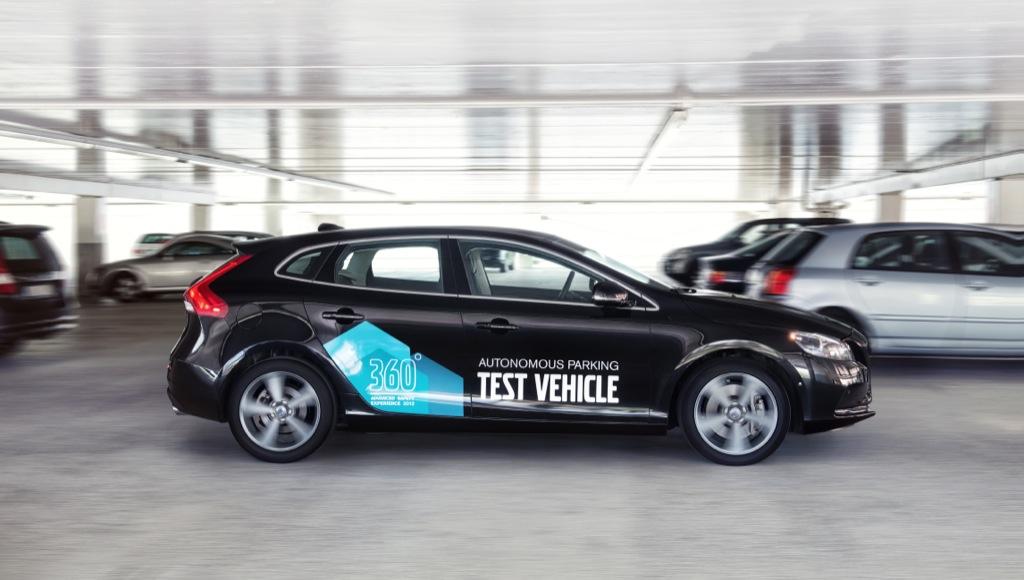 Volvo: Auto fährt autonom zum Parken und holt Fahrer ab - Automatisches Parkieren (Bild: Volvo)