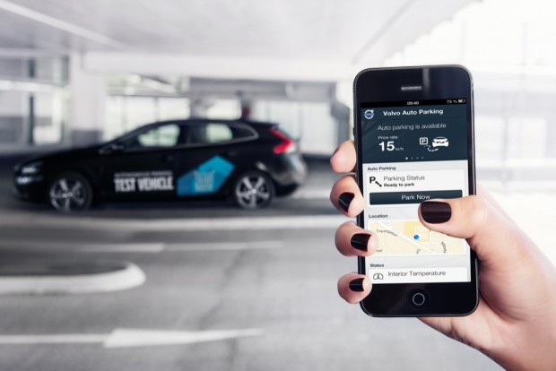 Automatisches Parkieren per App (Bild: Volvo)