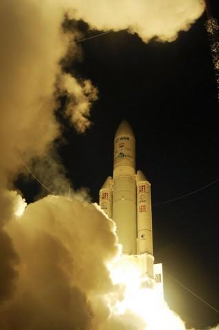 Start einer Ariane-5 mit ATV-4 Albert Einstein an Bord am 5. Juni 2013 (Foto: S. Corvaja/Esa)