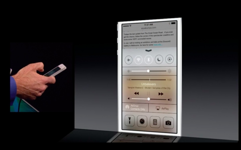 Apple: iOS 7 mit Multitasking und neuem Interface - Control Center unter iOS 7 (Bild: Apple/Screenshot: Golem.de)