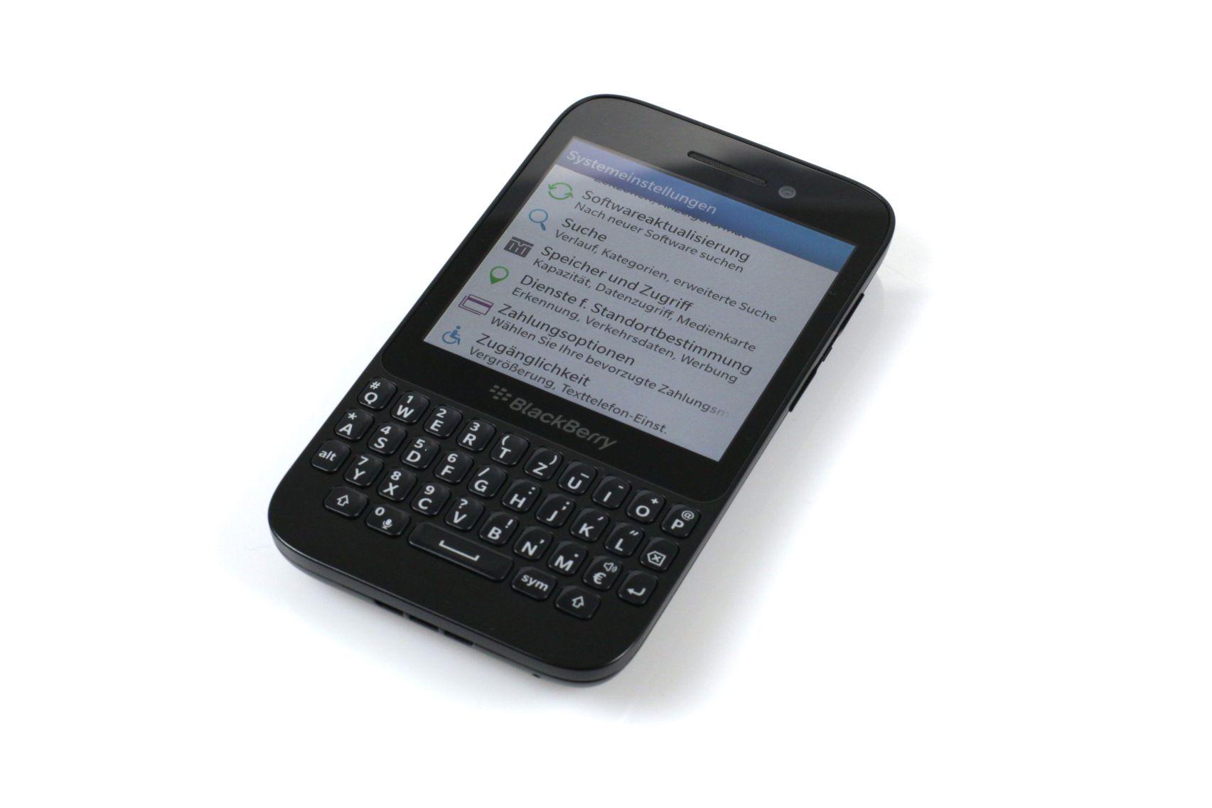 Blackberry Q5 im Test: Tippen bis zum Morgengrauen - Das Blackberry Q5 kostet momentan im Onlinehandel um die 340 Euro.