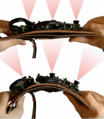 Flexcam mit unterschiedlichen Biegegraden (Bild: Human Media Lab,  Queen's University, Kingston)