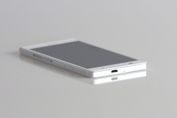Das Android-Smartphone ist mit 6,5 mm sehr dünn. (Bild: Nina Sebayang/Golem.de)