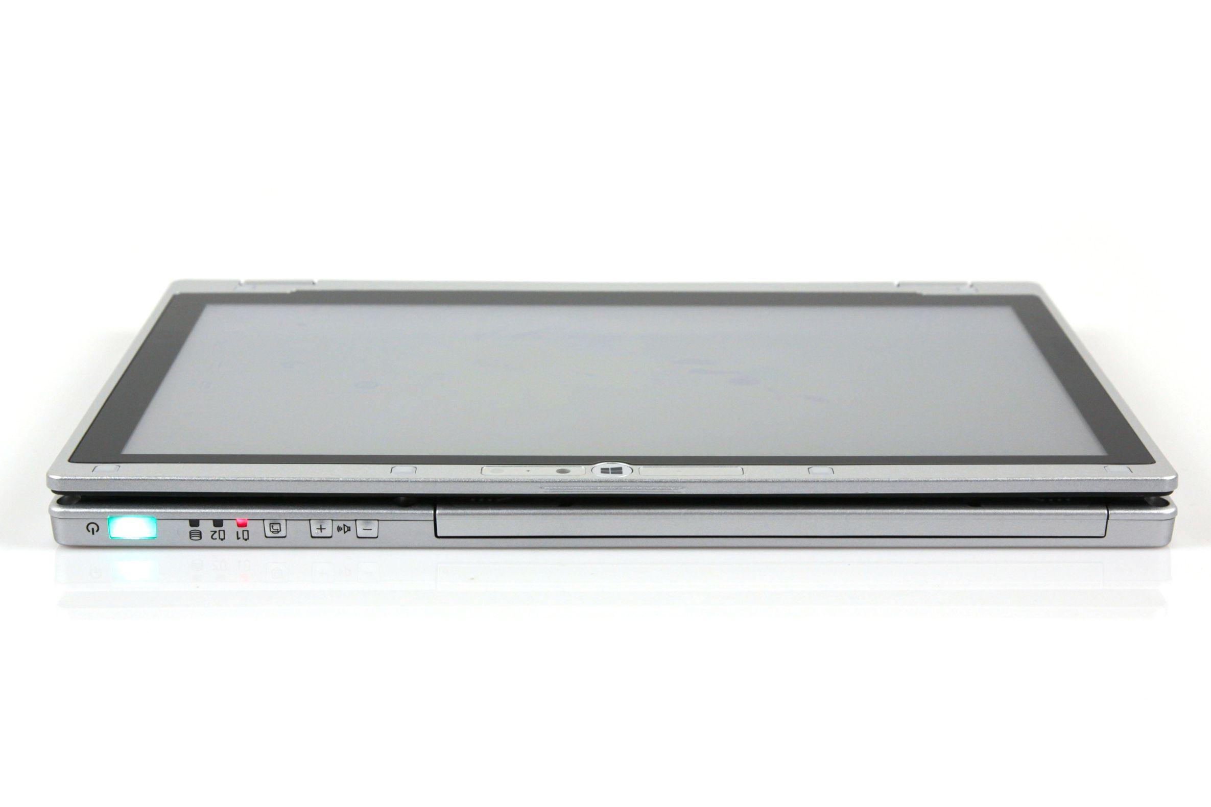 CF-AX2 im Test: Dünnes Toughbook mit Notfallakku und nerviger Tastatur -