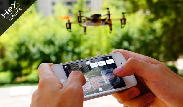 Der Nanocopter Hex wird per Smartphone gesteuert. (Bild: Angeleyes)