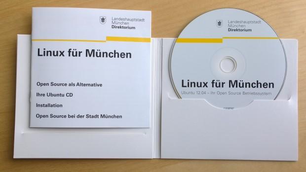 Ubuntu 12.04 LTS von der Stadt München samt Booklet (Bild: Jörg Thoma/Golem.de)