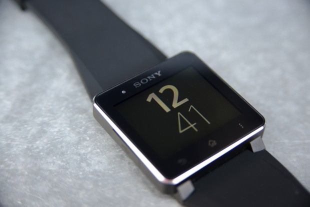 Das Display der Smartwatch 2 ist 1,6 Zoll groß. (Bild: Fabian Hamacher/Golem.de)