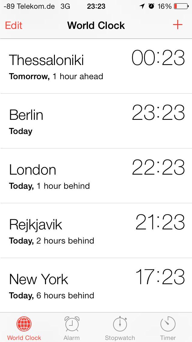 iOS 7 im Test: Bunte Farben und kleine Kompatibilitätsprobleme - Die Uhren-App... (Screenshot: Golem.de)