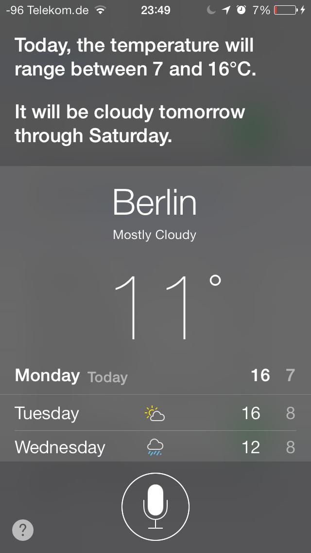 iOS 7 im Test: Bunte Farben und kleine Kompatibilitätsprobleme - Siri im neuen Design (Screenshot: Golem.de)