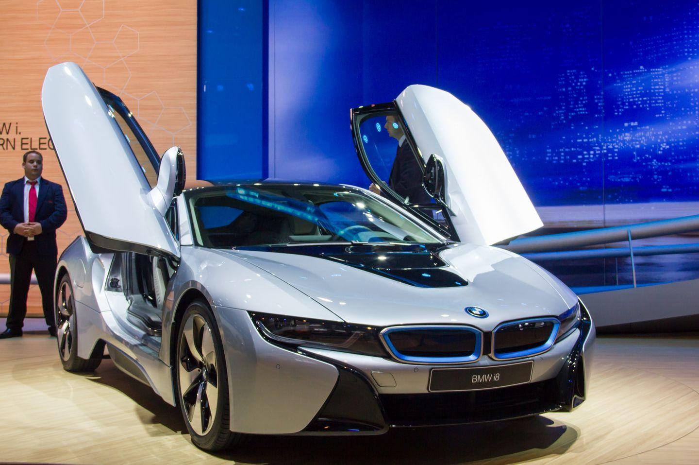 BMW i8: Schicker Hybridsportwagen mit Scherentüren - Das Auto hat einen Hybridantrieb,... (Foto: Werner Pluta/Golem.de)