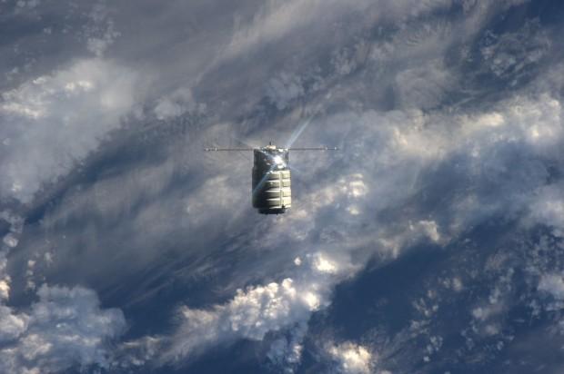 Die unbemannte Raumfähre Cygnus nähert sich der ISS am 29.09.2013. (Foto: Nasa)