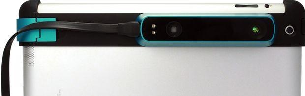 Der Structure Sensor wird mit einer speziellen Halterung am iPad befestigt. (Foto: Occipital)
