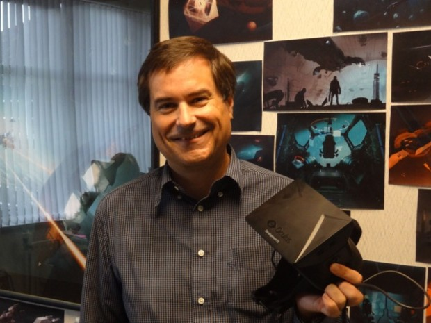 David Braben mit Oculus Rift (Bild: Frontier Developments)