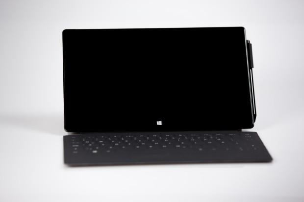 Das Surface Pro 2 bietet ein 10,6-Zoll-Display mit 1080p-Auflösung. (Bild: Fabian Hamacher/Golem.de)