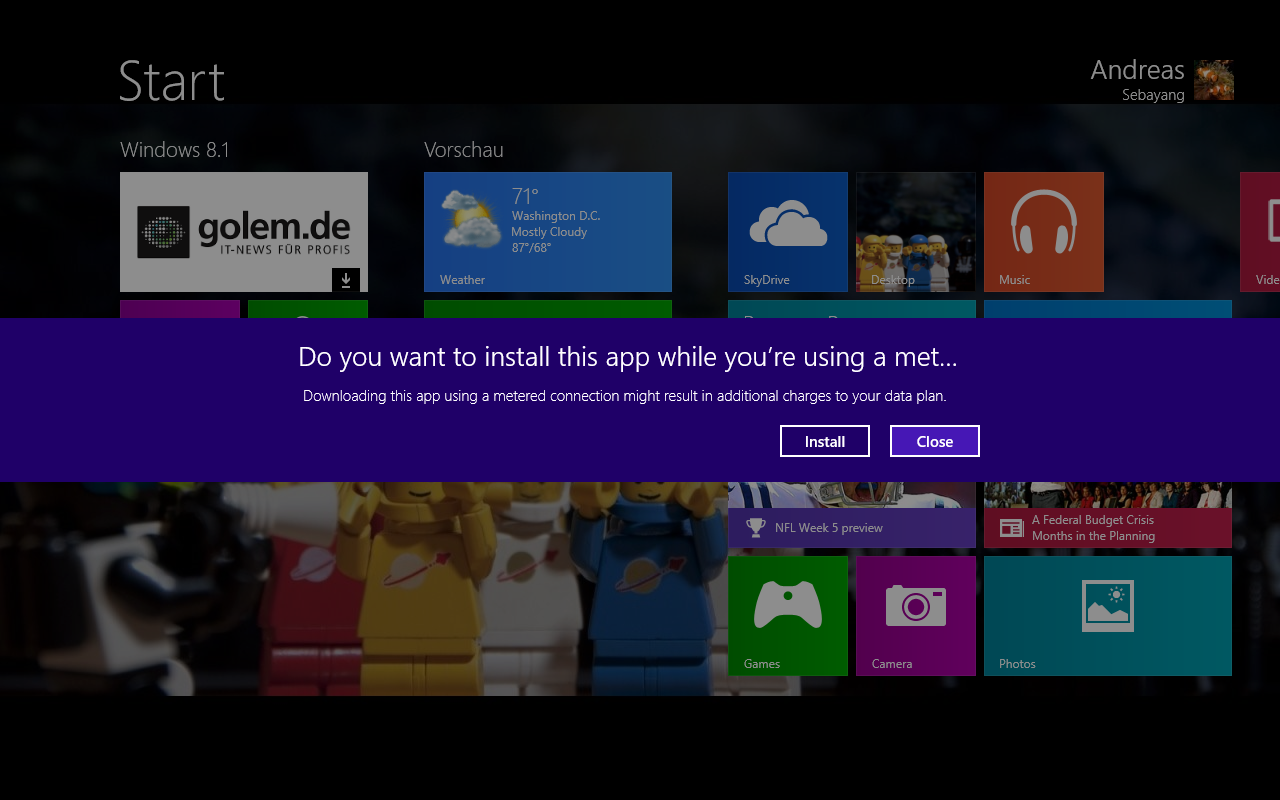 Windows 8.1 im Test: Nicht mehr die Suche suchen - Durch die Anmeldung mit einem Microsoft-Account erscheint unsere Golem.de-App bereits an der richtigen Stelle. Automatisch heruntergeladen wird sie aber nicht. (Screenshot: Golem.de)