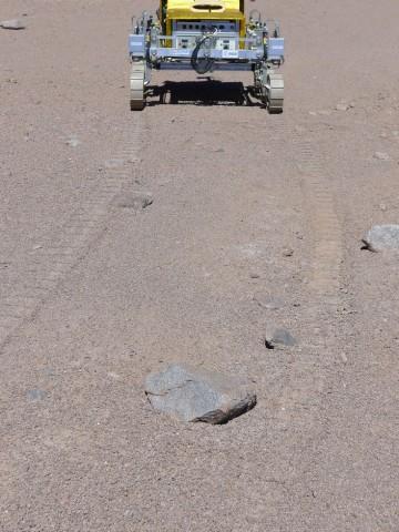 Spuren im Sand der Wüste Atacama hinterlässt... (Foto: Esa/RAL)