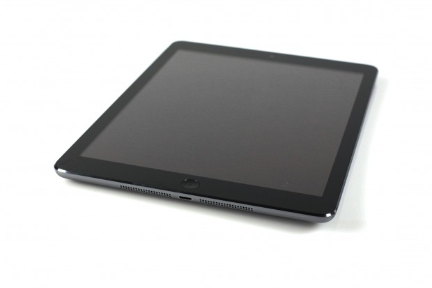Das iPad Air sieht aus wie das iPad Mini. (Foto: Nina Sebayang/Golem.de)