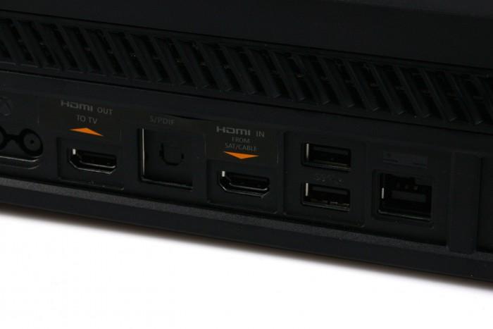 Die Anschlüsse der Xbox One (Bild: Daniel Pook/Golem.de)