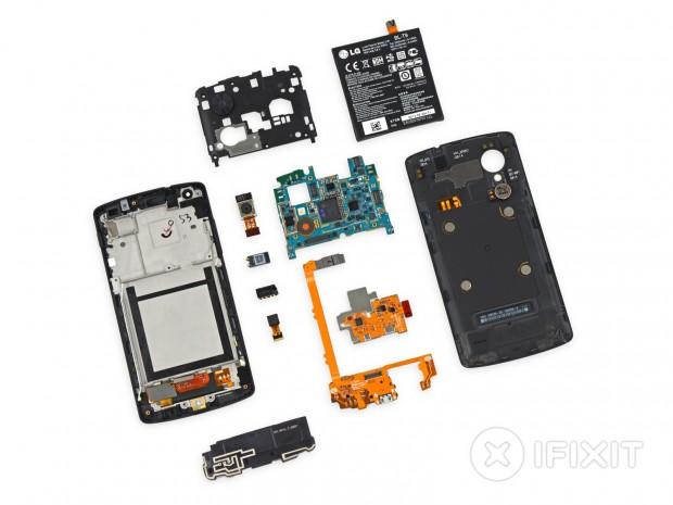 Nexus 5 in Einzelteilen (Bild: iFixit)