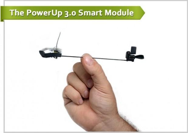 Powerup 3.0 - die Antriebs- und Funkeinheit für den Papiergleiter (Bild: Powerup Toys)
