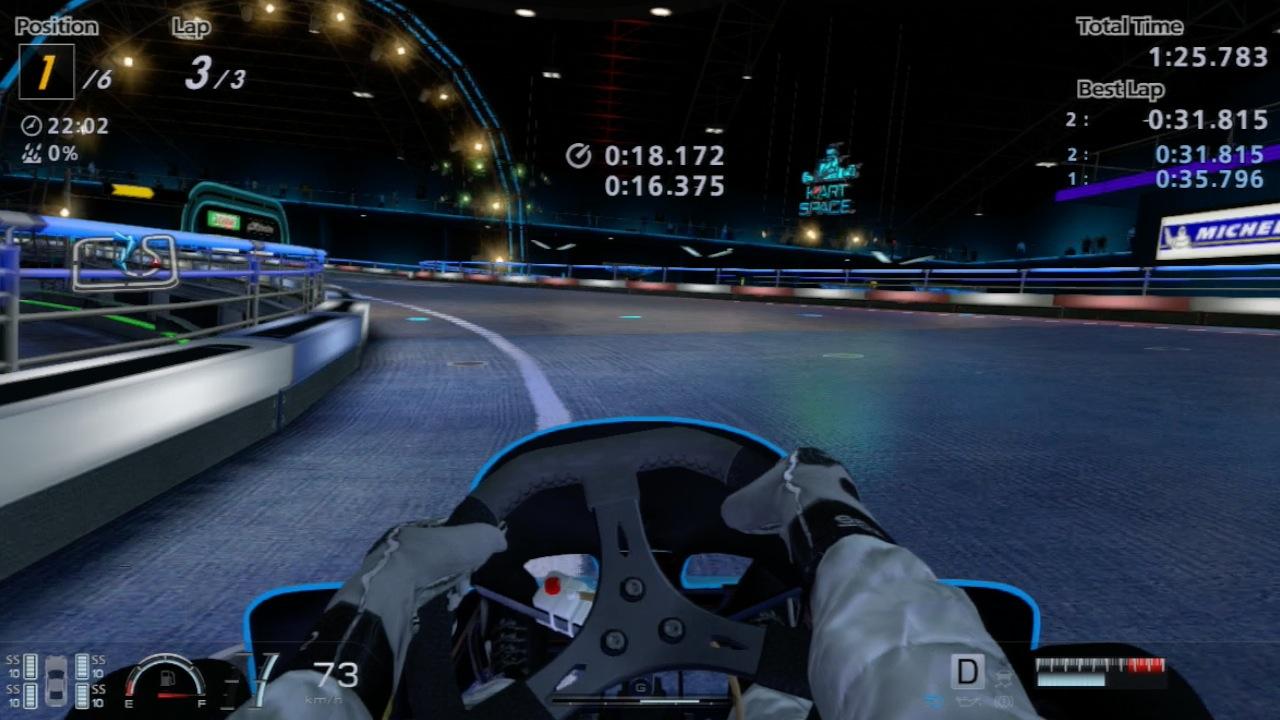 Gran Turismo 6 im Test: Fahrspaß bei Tag, Nacht, Wind und Wetter - Die Cockpitperspektive in einem Kart
