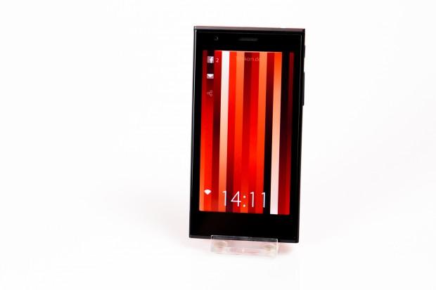 Das erste Smartphone von Jolla (Bild: Fabian Hamacher/Golem.de)