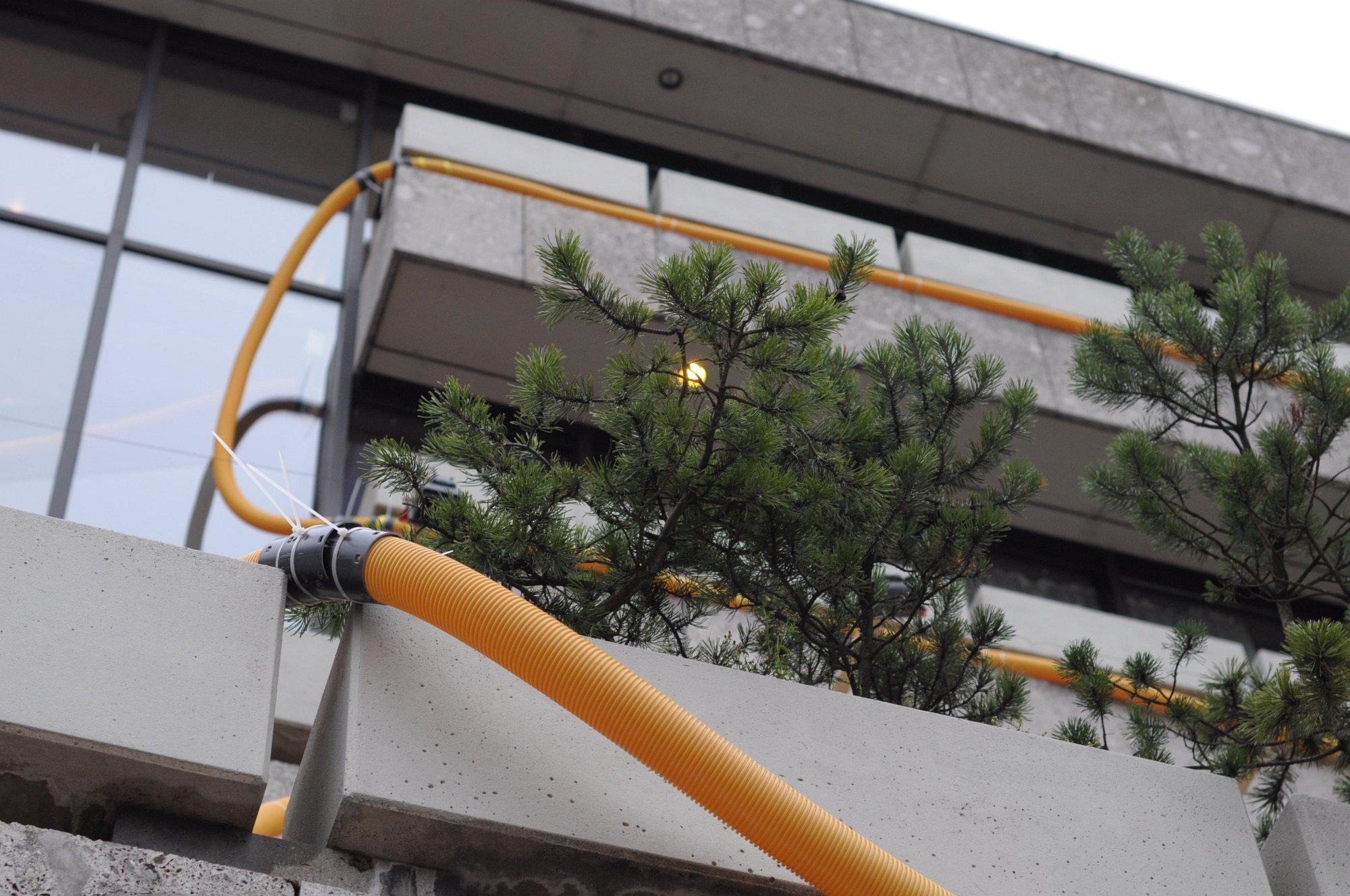 Seidenstrasse: Retro-Netzwerk im Schlauch - Wer aus diesen Konstruktionen... (Foto: Andreas Sebayang/Golem.de)