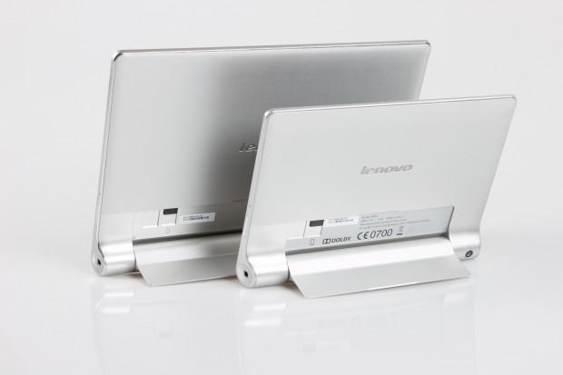 Die beiden Android-Tablets haben eingebaute Klappständer. (Bild: Tobias Költzsch/Golem.de)