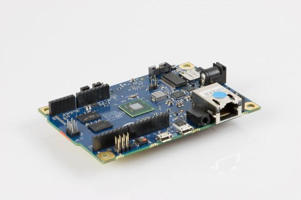 Am Intel Galileo kann viel an- und eingestöpselt werden. (Bilder: Golem.de)