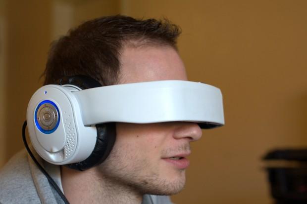 Die Glyph als Datenbrille und Kopfhörer. (Bild: Andreas Sebayang/Golem.de)