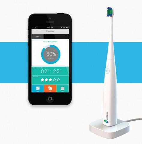 Die elektrische Zahnbürste von Kolibree kann sich dank Bluetooth mit einem Smartphone verbinden. (Bild: Kolibree)