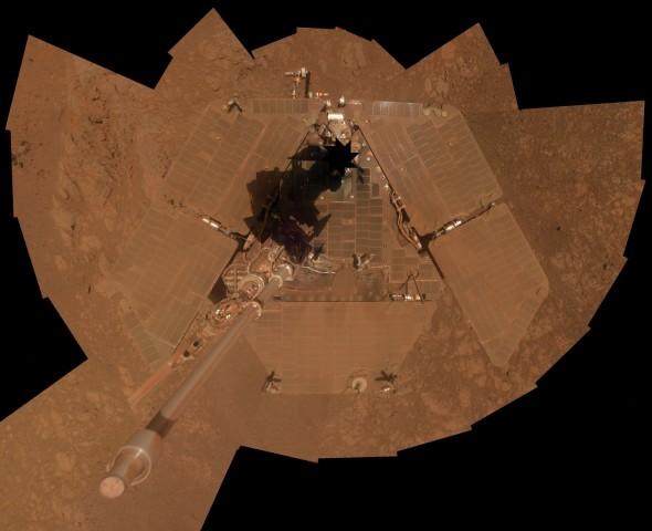 Selbstporträt des Rovers Opportunity. Es ist zusammengesetzt aus mehreren Einzelbildern, die Anfang Januar 2014 entstanden sind. (Foto: Nasa/JPL-Caltech/Cornell Univ./Arizona State Univ.)