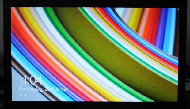 Bonbonfarben des Medion.... (Fotos: Nico Ernst/Golem.de)