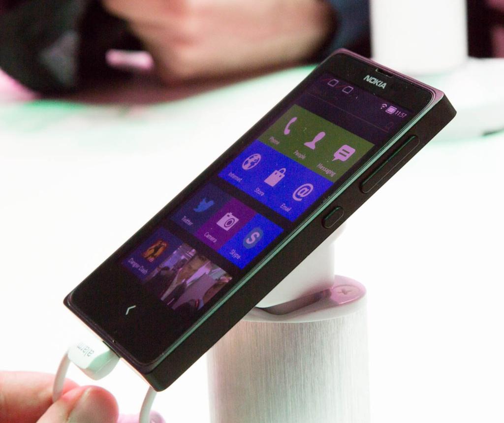 Android ohne Google: Nokia X bei Händlern in Deutschland verfügbar - Nokias X+ (Bild: Fabian Hamacher/Golem.de)
