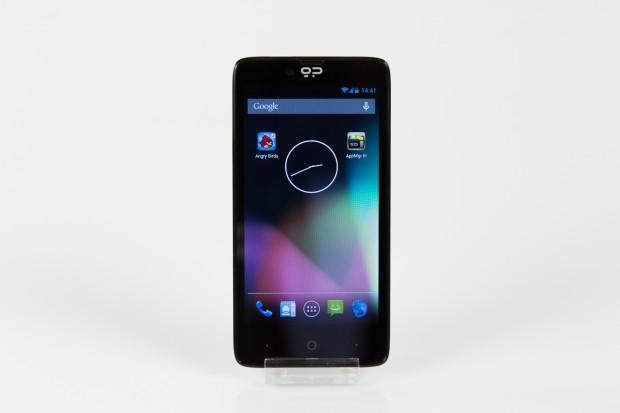 Das neue Geeksphone Revolution hat ein 4,7 Zoll großes Display. (Bild: Tobias Költzsch/Golem.de)