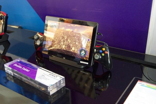 AMDs Mullins-Tablet mit einem zersägten Controller (Foto: Andreas Sebayang/Golem.de)