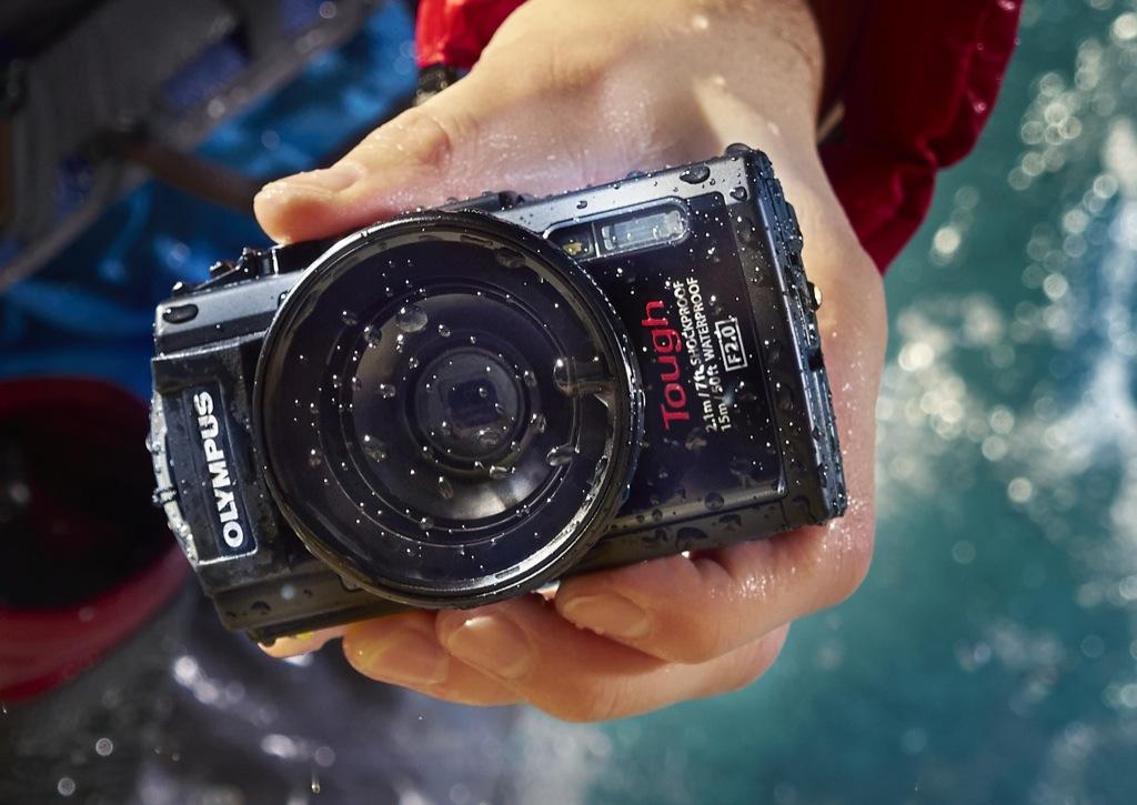 Olympus Stylus Tough TG-3: Kamera macht scheibchenweise Fotos - Olympus-Stylus-Touch-TG-3 mit Fisheye (Bild: Olympus)