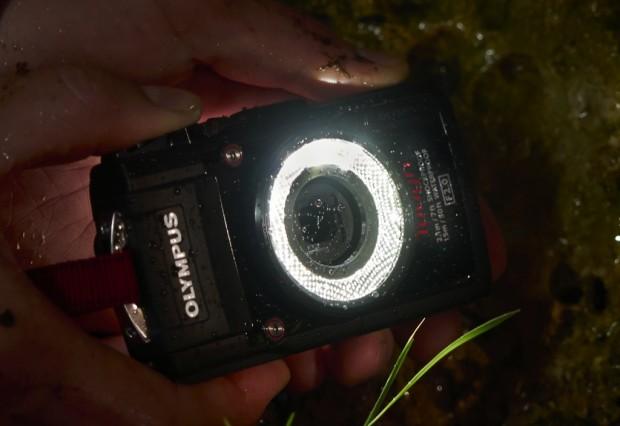 Olympus-Stylus-Touch-TG-3 mit Makroleuchte (Bild: Olympus)