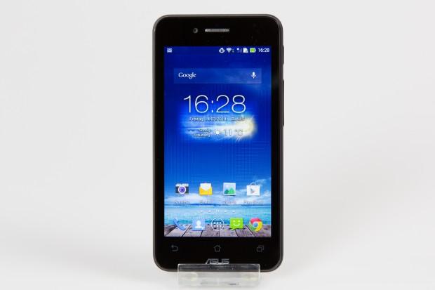 Das Smartphone hat eine Bildschirmdiagonale von 4,3 Zoll. (Bild: Tobias Költzsch/Golem.de)