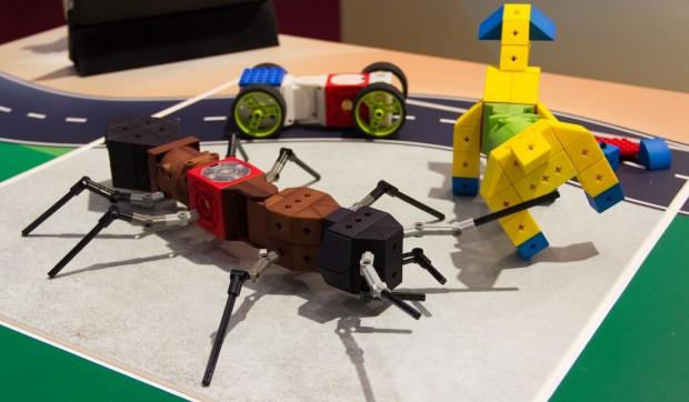 Kinematics ist ein Roboterbaukasten für Kinder. Sie sollen damit früh den Umgang mit Robotern lernen. (Foto: Werner Pluta/Golem.de)