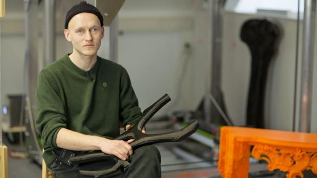 Nicht interessiert an kleinen Druckern: Big-Rep-Konstrukteur Lukas Oehmigen wollte Gegenstände in Lebensgröße drucken. (Foto: Daniel Pook)