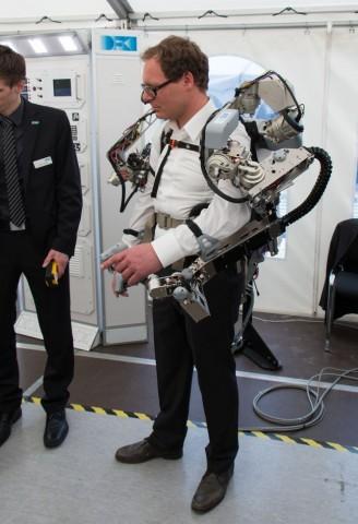 Das am DFKI entwickelte Exoskelett  (Foto: Werner Pluta/Golem.de)