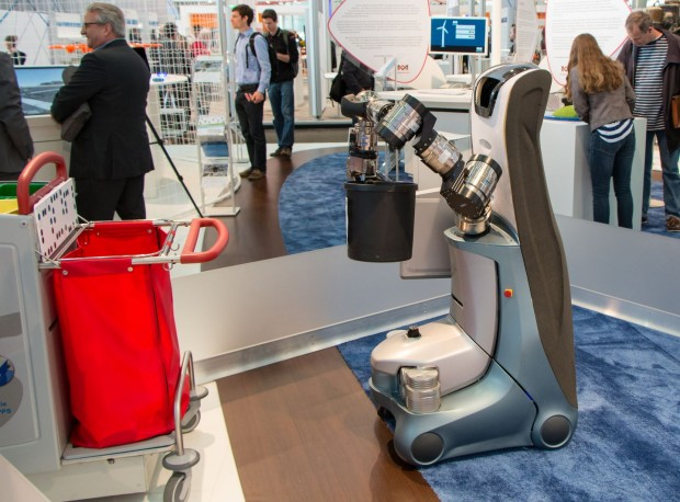 Fußboden Roboter ~ Fraunhofer ipa der roboter säubert das büro golem
