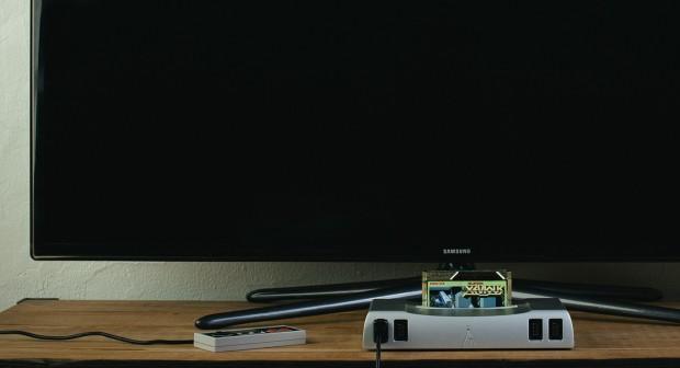 Die Analogue Nt ist eine Spielekonsole, die sowohl NES- als auch Famicom-Spiele abspielen kann. (Bild: Analogue Interactive)