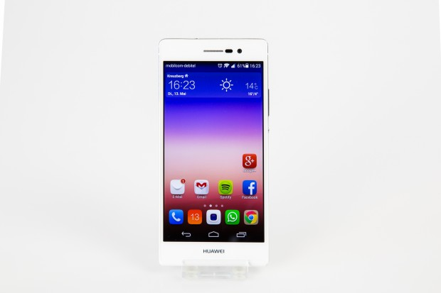 Huaweis neues Top-Smartphone Ascend P7 (Bild: Tobias Költzsch/Golem.de)