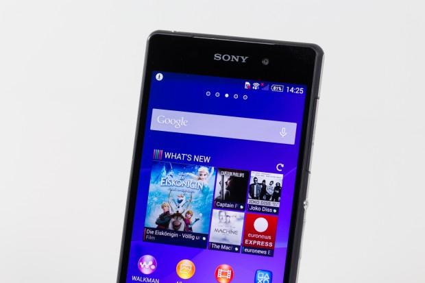 Das Xperia Z2 ähnelt seinem Vorgänger Xperia Z1 stark. Sony hat kleine Änderungen an der Hardware vorgenommen, das Gehäuse sieht fast gleich aus. (Bild: Tobias Költzsch/Golem.de)
