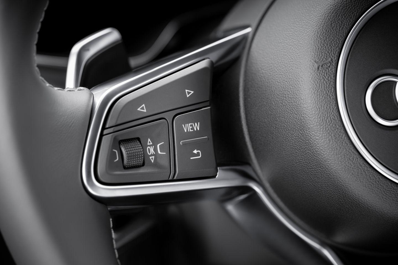 Virtual Cockpit: Mit 60 Bildern pro Sekunde in den roten Drehzahlbereich - Bedient wird das System vom Lenkrad aus. (Bild: Audi)